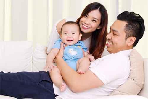 Baru Jadi Ibu Hindari 10 Kesalahan Cara Mengatur Keuangan Keluarga yang Mungkin Anda Tidak Sadari 01 - Finansialku
