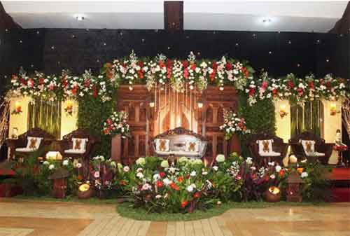 Harga Dekorasi Pernikahan atau Dekorasi Pelaminan yang Murah dan Minimalis 03 - Finansialku