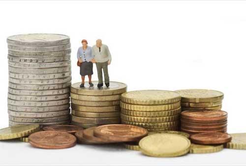 Para Karyawan Coba Jawab Umur Berapa Seharusnya Saya Mulai Menyiapkan Dana Pensiun 02 - Finansialku