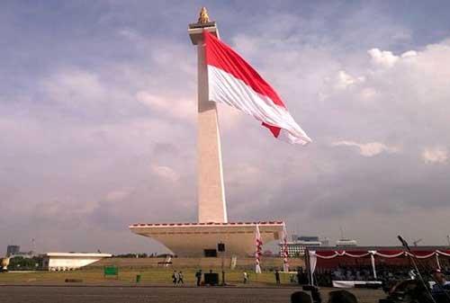 Pengibaran Bendera Merah Putih Anti Mainstream di Indonesia, Lihat yang Kedua! 04 - Finansialku