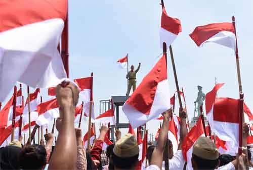 Pengibaran Bendera Merah Putih Anti Mainstream di Indonesia, Lihat yang Kedua! 06 - Finansialku