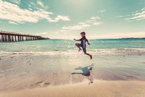 17 Cara Berpikir Positif di Waktu Luang Anda yang Perlu Kita Praktikkan 01 - Finansialku