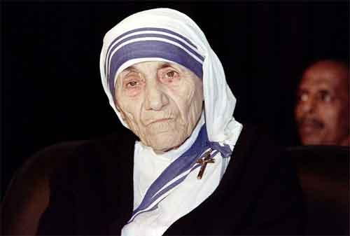 20 Kata-kata Mutiara Mother Teresa yang Membuat Hidup Anda Lebih Baik 05 - Finansialku