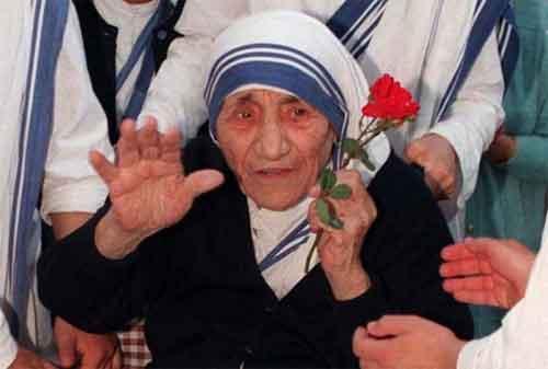 20 Kata-kata Mutiara Mother Teresa yang Membuat Hidup Anda Lebih Baik 08 - Finansialku