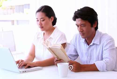 3 Cara Mengatur Keuangan Untuk Pasangan Baru Menikah 01 - Finansialku