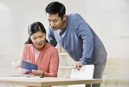 10 Cara Menghindari Masalah Keuangan Dalam Keluarga Muda 01 - Finansialku