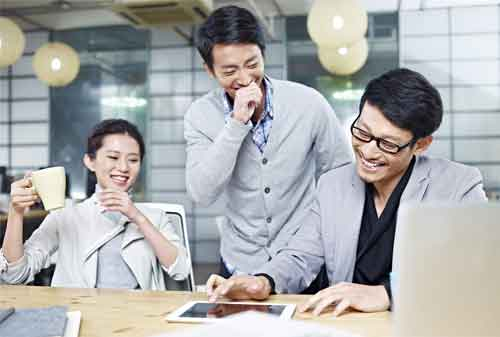 7 Tips Memilih Asuransi Jiwa Untuk Karyawan, Agar Anda Sekeluarga Tetap Terlindungi (Meski Sudah Resign) 01 - Finansialku