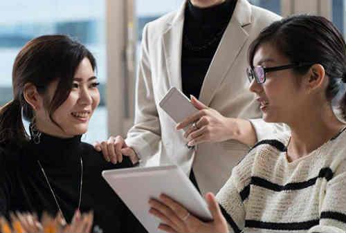 Bro, Sis! Ini 5 Cara Tingkatkan Kredibilitas Meskipun Pengalaman Kerja Masih Minim! 01 - Finansialku