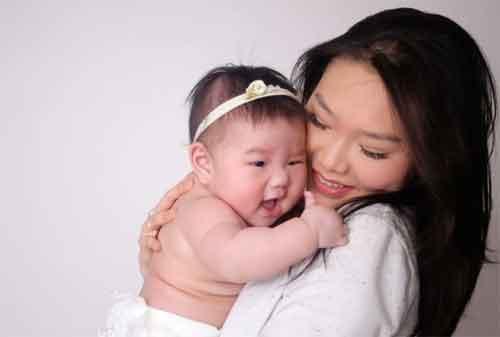 Moms, Punya Anak Balita Perlu Beli Asuransi Kesehatan Ga Ya 01 - Finansialku