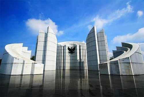 Wisata-Bandung-18.-Monumen-Perjuangan