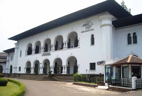 Wisata-Bandung-5.-Museum-Pos-Indonesia