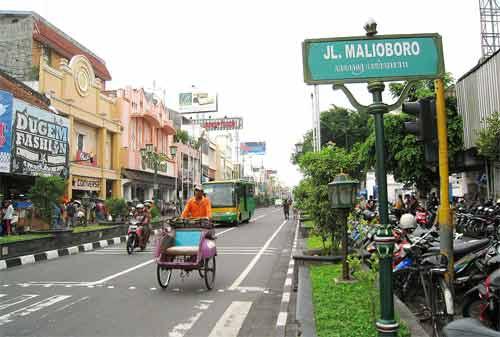 198-Wisata-Jogja-52.-Jalan-Malioboro