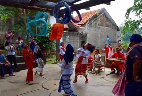 24-Wisata-Anak-Bandung-17.-Komunitas-Hong