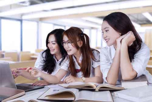Ini Dia Tips Mudah dan Kegunaan Belajar Manajemen Keuangan Untuk Siswa SMA 01 - Finansialku