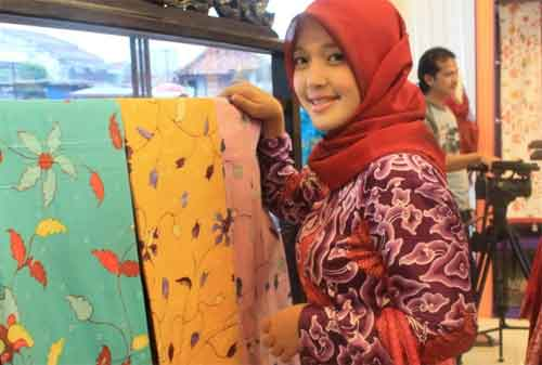 Kisah Sukses Sally Giovanny, Pebisnis Batik Trusmi 04 - Finansialku