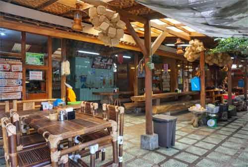Wisata-Kuliner-Resort-Lembang-16.-Rumah-Makan-Kayu