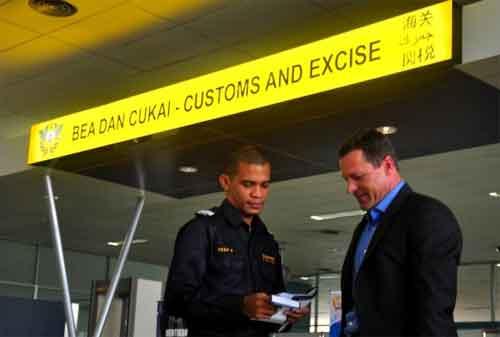 Apa Saja Barang Bawaan yang Bisa Kena Bea Cukai di Bandara 02 - Finansialku
