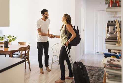 Apakah Ada Cara Mendapatkan Liburan Gratis ADA! Cek Info Ini! 03 Couchsurfing - Finansialku