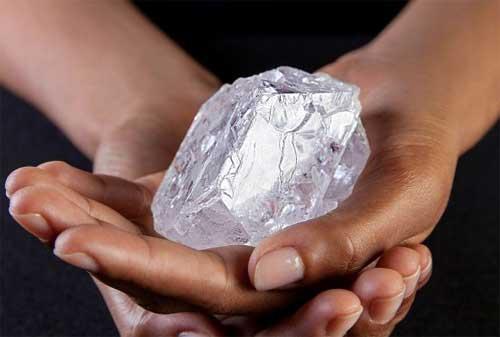 Apakah Anda Tahu Seperti Apa Berlian Asli Simak Dulu Biar Anda Tidak Tertipu 01 - Finansialku
