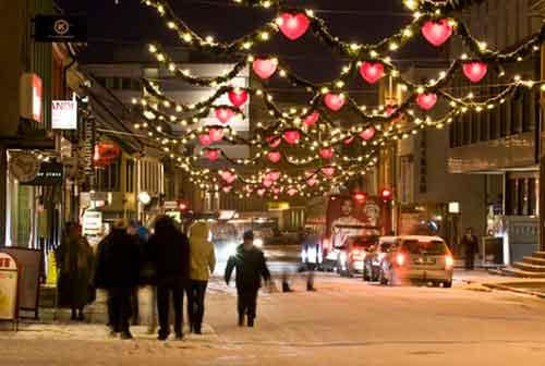 Liburan Natal Tromso Norwegia - Finansialku