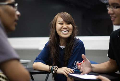 Mahasiswa Belajar Menyusun Anggaran 01 - Finansialku