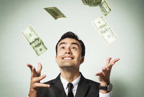 Mau Bebas Finansial Tiru 11 Kebiasaan ini Agar Kebebasan Finansial Terwujud Nyata! 02 Orang Kaya - Finansialku
