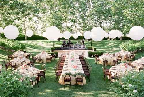 Menikah di Gedung, Rumah atau Kebun 03 Garden Party - Finansialku