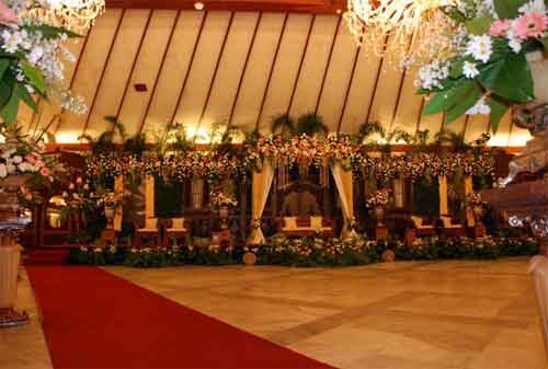 Menikah di Gedung, Rumah atau Kebun 04 Menikah di Gedung - Finansialku