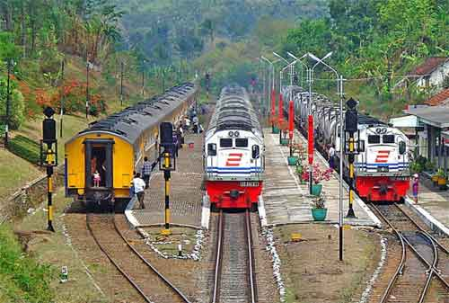 PT KAI Siapkan 20 Kereta Api Tambahan Hadapi Liburan Natal 2017 dan Liburan Tahun Baru 2018 01 - Finansialku