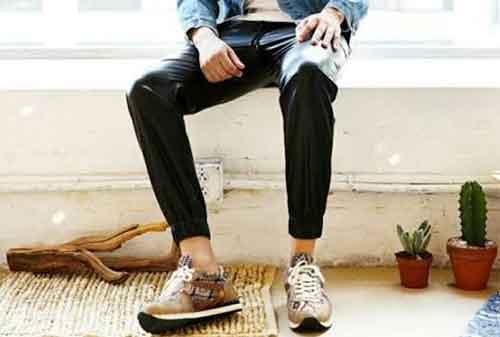 Penyuka Sneakers Harus Tahu, 15 Sneakers Termahal di Dunia (Sepasang Sampai US$20.000) 02 - Finansialku