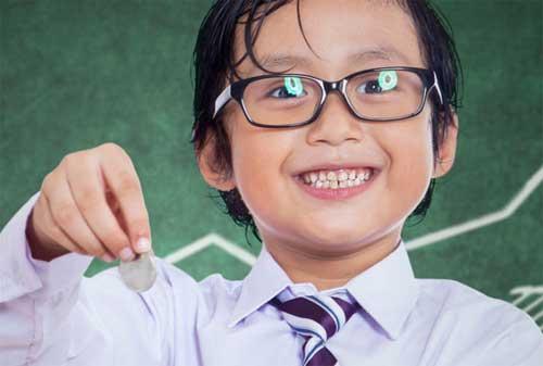 Praktikkan Sekarang Juga! 9 Cara Mudah Orangtua Mengajarkan Anak tentang Uang 02 - Finansialku