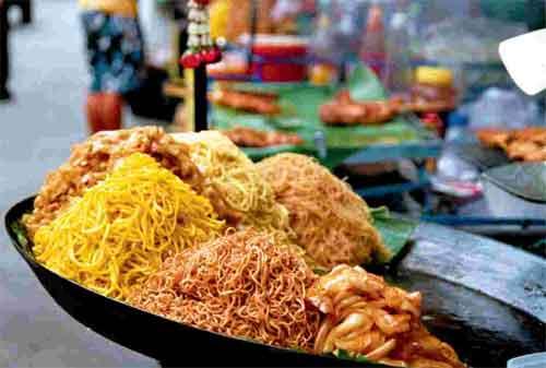 Punya Rencana Liburan ke Thailand 04 Street Food - Finansialku
