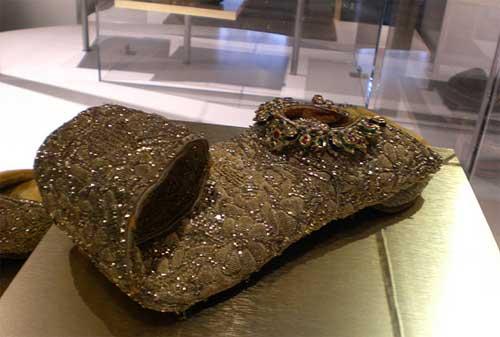 Sepatu Termahal di Dunia 05 Shoes of Nizam Sikandar - Finansialku