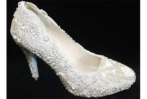 Sepatu Termahal di Dunia 06 Kathryn Wilson - Finansialku