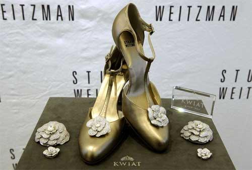 Sepatu Termahal di Dunia 10 Stuartz Weitzman Retro - Finansialku