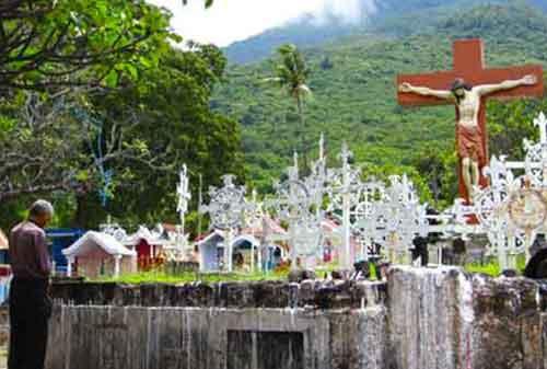 Tradisi Natal Unik Indonesia Larantuka 11a Finansialku