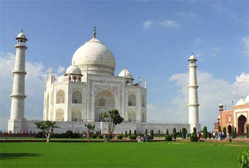 Liburan Murah ke Luar Negeri 02 Taj Mahal India - Finansialku