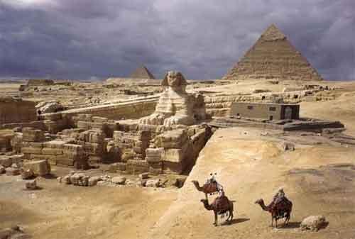 Liburan Murah ke Luar Negeri 08 Piramida Mesir - Finansialku