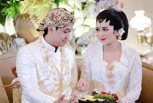 Menyiapkan-Biaya-Pernikahan-Setahun-01-Finansialku