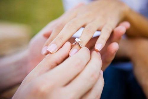 Menyiapkan-Biaya-Pernikahan-Setahun-02-Finansialku