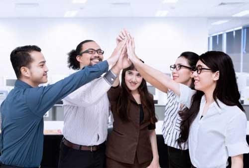 Motivasi Kerja Apa Yang Sebenarnya Karyawan Inginkan 03 Kerja Sama Tim - Finansialku