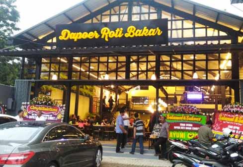 Outlet Dapoer Roti Bakar Finansialku