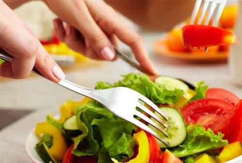 Para HR, Edukasi 10 Tips Produktif Kerja di Musim Hujan Kepada Karyawan Anda 02 Makanan Sehat - Finansialku
