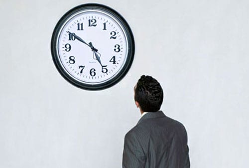 Perbedaan Orang Sibuk dan Orang Produktif Melihat Waktu Finansialku