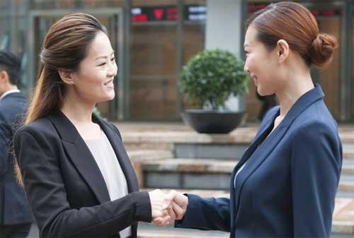 Trik Jadi Pemimpin yang Baik, Disegani dan Disukai Karyawan 02 - Finansialku