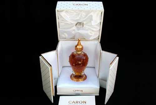 10 Parfum Pria Termahal di Dunia 02 - Finansialku