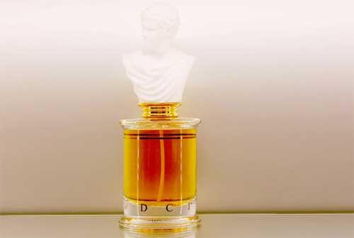 10 Parfum Pria Termahal di Dunia 10 - Finansialku