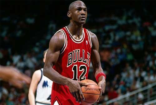 70 Kata-kata Mutiara Michael Jordan yang Penuh Inspirasi 02 - Finansialku