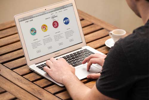 Ada-8-Manfaat-Membuat-Website-4-Finansialku