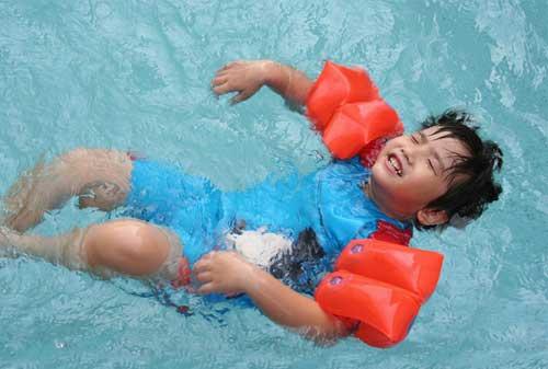 Anak-Air-Swim-School-4-Finansialku